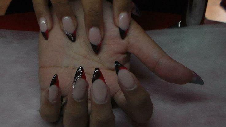 Red & black nail. Piros & fekete körmök.