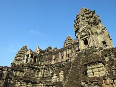 Un meraviglioso tour della Cambogia, per emozionarsi. #giruland #diariodiviaggio #community #raccontare #scoprire #condividere #travel #blog #food #trip #social #network #panorama #fotografia #donna #uomo #cambogia #tempio #scimmia #babbuino