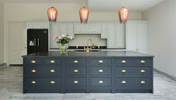 Shaker Kitchen Company Ltd 3 Metre Island Contrasting Cabinets and Handles