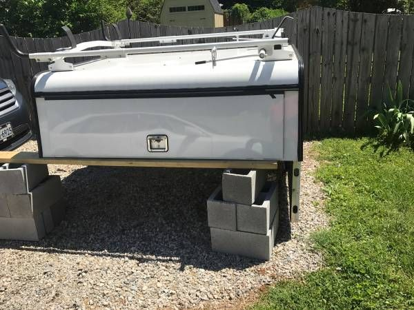 ARE TRUCK CAP WITH ERGO LADDER RACK – auto parts – by owner