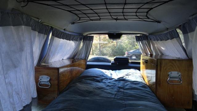 Maak van je wagen een camping caddy met ingebouwde camping keuken chuckbox