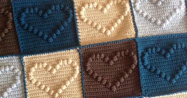 Gehaakt ledikant deken    Dit wordt de gehaakte ledikant deken voor mijn zoon Daan. Nog vier banen van zes granny squares en de rand en d...