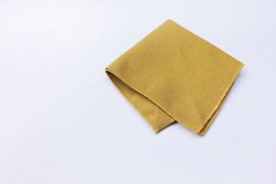 Pocket Square giallo senape tessuto vintage di ScoccaPapillon, €10.00