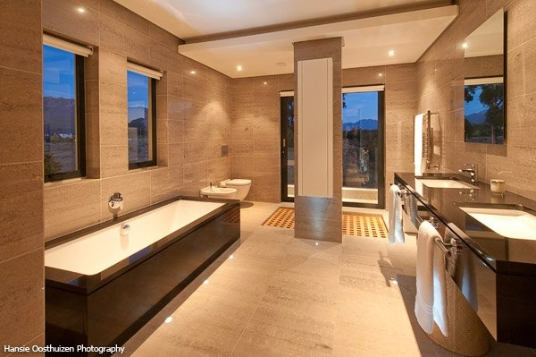 Louis Phillips Architects # Val de Vie Estate # South Africa # Pearl Valley # Bathroom