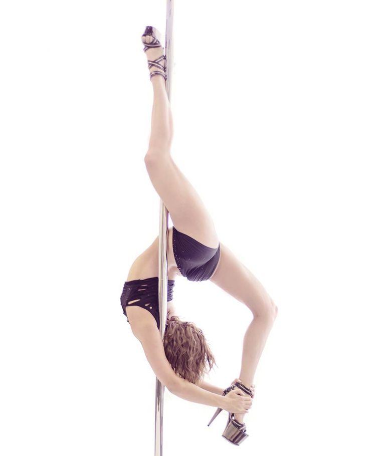 pole dance scorpio