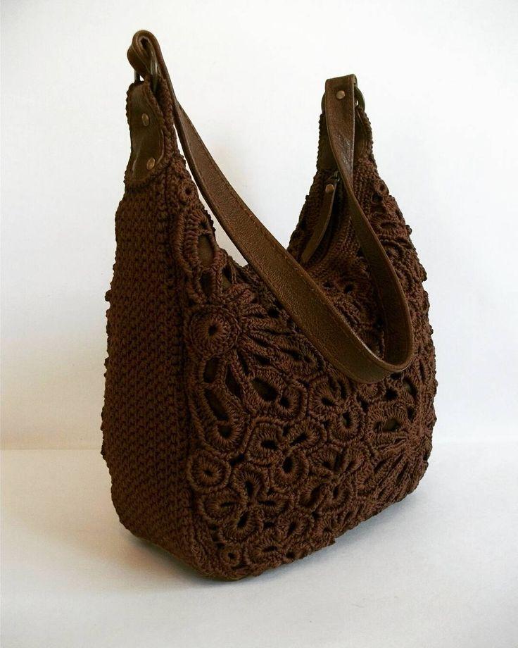 """267 отметок «Нравится», 17 комментариев — ВЯЗАНЫЕ СУМКИ (@doga.bags) в Instagram: «Стильная, удобная и практичная сумка на плечо """"Мираж"""" связана из пряжи красивого шоколадного цвета.…»"""