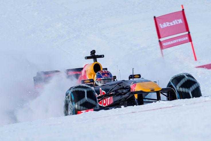 GALERIE: Tomu neuvěříte: Formule 1 se nebojí sněhu, řádí na sjezdovce v Alpách (videa) | FOTO 17 | auto.cz