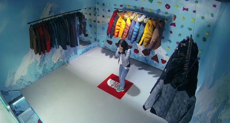 The North Face force ses clients à escalader dans un magasin en Corée - http://www.geeksandcom.com/2014/10/14/the-north-face-escalade-magasin-en-coree/