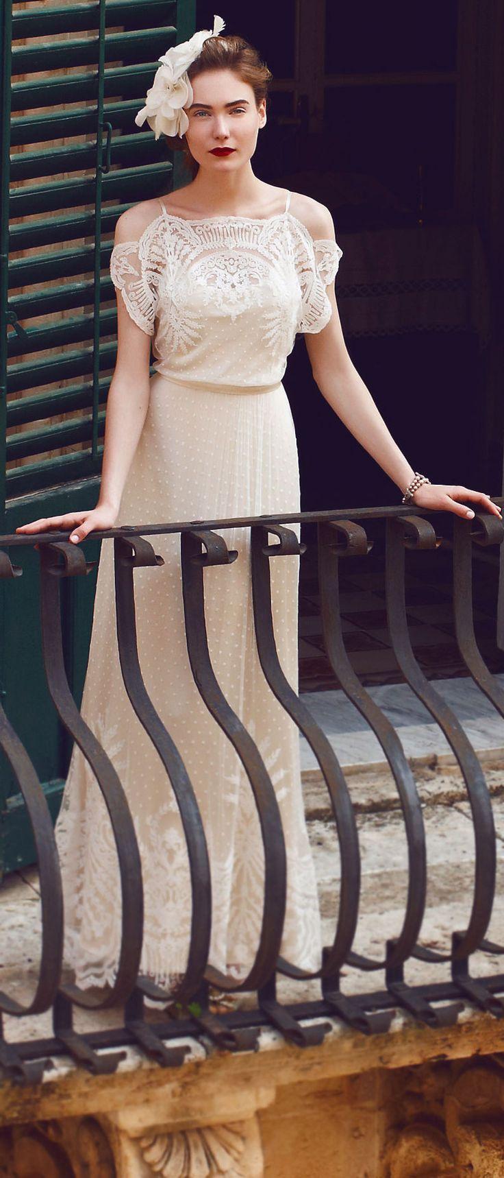 Gorgeous wedding gown - very Gatsby
