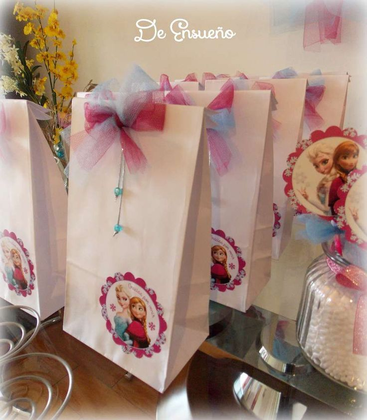 Frozen birthday party favor bags! See more party planning ideas at CatchMyParty.com!: