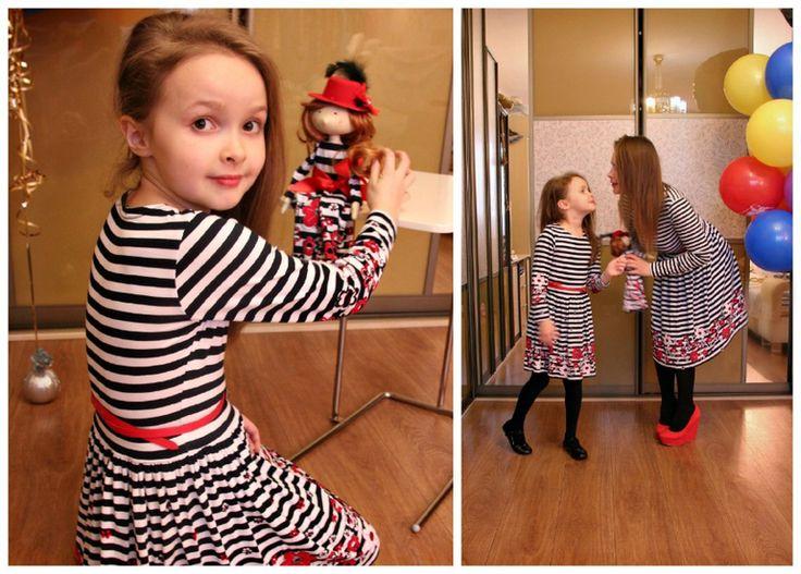 Платья для мам и дочек. Стильное платье в морском стиле. Черно-белые полоски 2015
