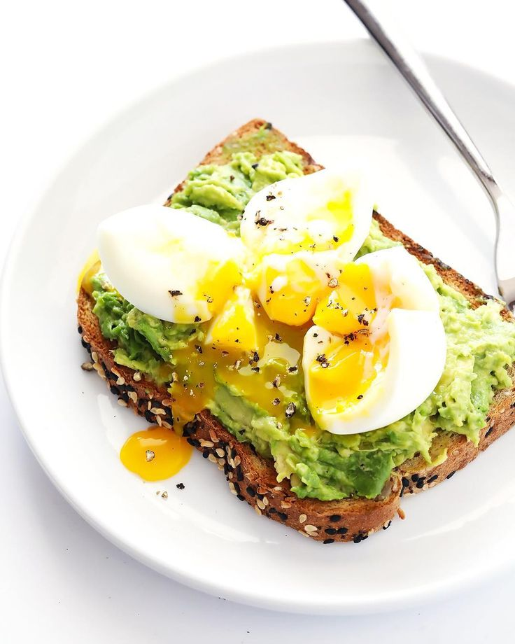 Once you've sliced, pitted and scooped your #avocado with your handy 4-in-1 #Avoquado tool, what does your toast need? The perfect soft-boiled egg, of course! Add richness to #avocadotoast, #pastas and more with this quick tutorial on cooking the perfect yolk from @gimmesomeoven --> www.gimmesomeoven.com/make-soft-boiled-eggs/