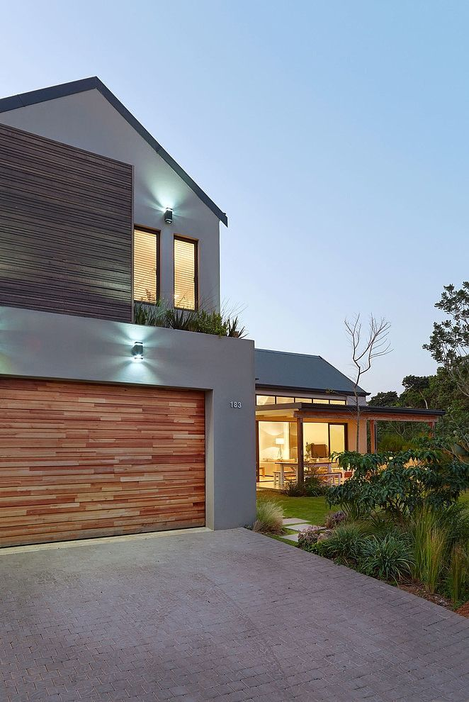 Dunkirk Residence by LevEco Architects