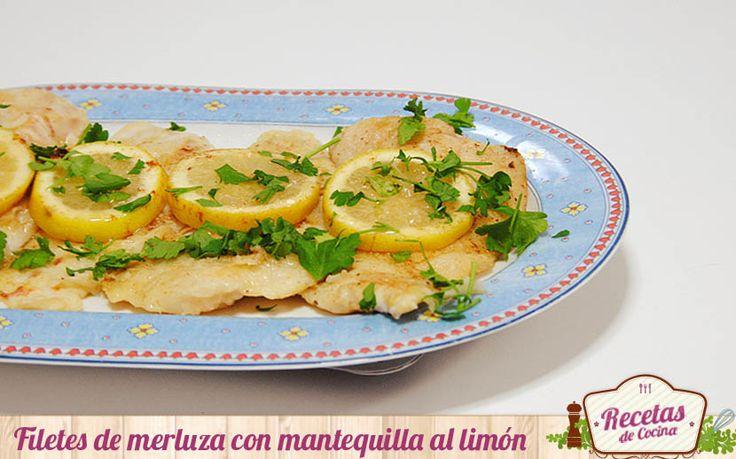 Filetes de merluza con mantequilla al limón -  Nunca se me había ocurrido acompañar la merluza con mantequilla fundida. Las ganas de probar nuevas combinaciones hizo que no me pudiera resistir a reproducir esta receta. Una receta muy sencilla que nos permite presentar los filetes de merluza de otra forma. Esta es una receta muy sencilla que ... - http://www.lasrecetascocina.com/filetes-merluza-mantequilla-al-limon/