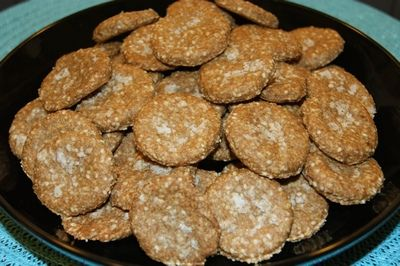 Low-carb ritz-style crackers for cheese