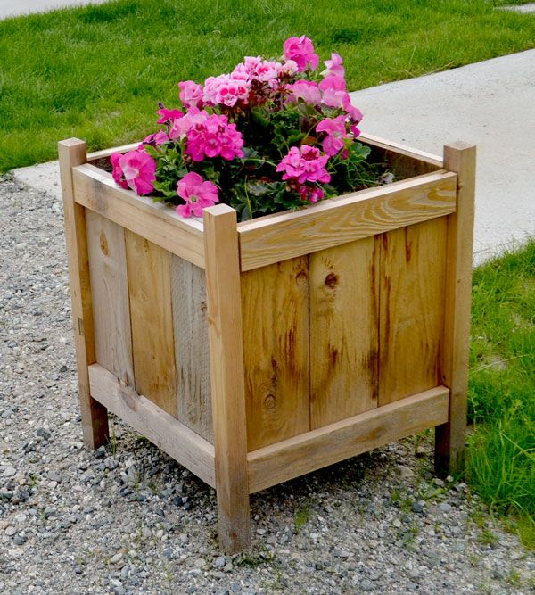 DIY Furniture Plan from Ana-White.com Build cedar planters for less than $20!