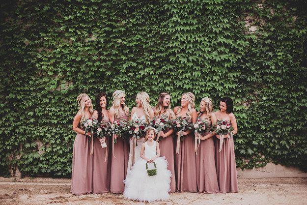 Dusty Rose A Sublimely Autumnal Shade Of Pink Altrosa Brautjungfernkleider Brautjungfern Hochzeitsfarben