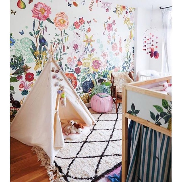 via @ministyleblog of @stonefoxbride ...not into the tent that looks way too much like a tipi for the creepy culture vulture dynamic. The wallpaper etc is awesome tho