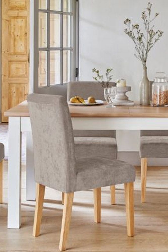 Here for you 24 elegant dining room sets that can add glam into your home. ★ See more: http://glaminati.com/elegant-dining-room-sets-inspiration/?utm_source=Pinterest&utm_medium=Social&utm_campaign=elegant-dining-room-sets-inspiration&utm_content=photo12