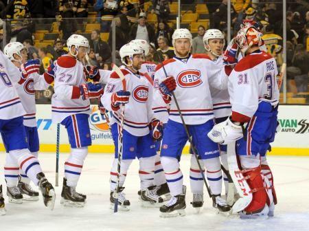 ブルーインズ戦の勝利を喜ぶGKプライス(右端)らカナディアンズの選手たち=ボストン(ロイター=共同) ▼24Nov2014共同通信|好調のカナディアンズ首位守る NHL第7週 http://www.47news.jp/CN/201411/CN2014112401001458.html #Montreal_Canadiens #Boston_Massachusetts #NHL #Boston_Bruins_vs_Montreal_Canadiens