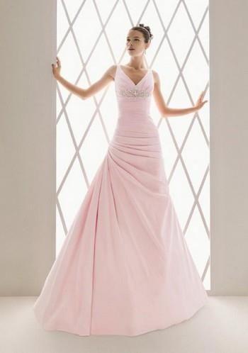 Свадебное платье нежно персикового цвета