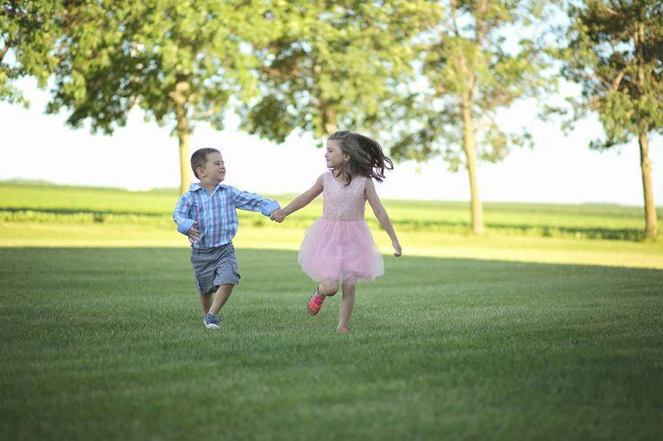 iowa family photography, family photos, family picture style, family pictures, rustic family photos, country family pictures, farm family pictures
