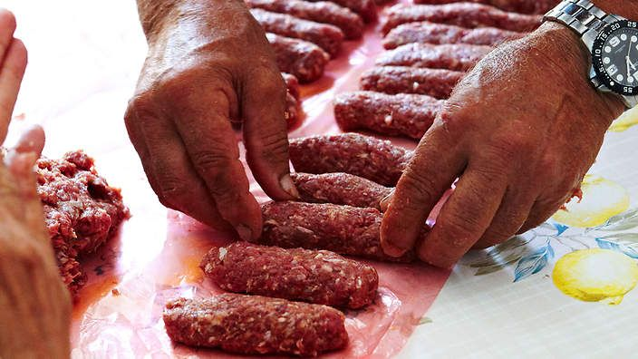 Croatian Cevapcici (like rissoles but sausage shaped & mix of lamb, pork & beef mince)