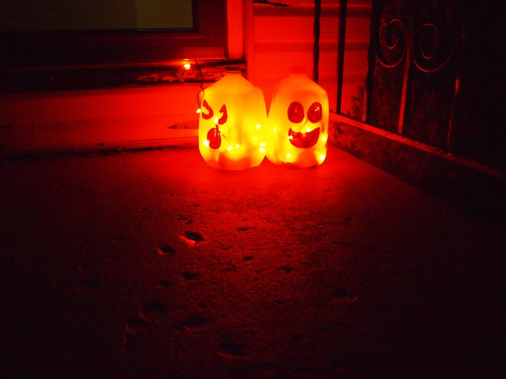use milk jug marker and siccers to do those cute halloween craft