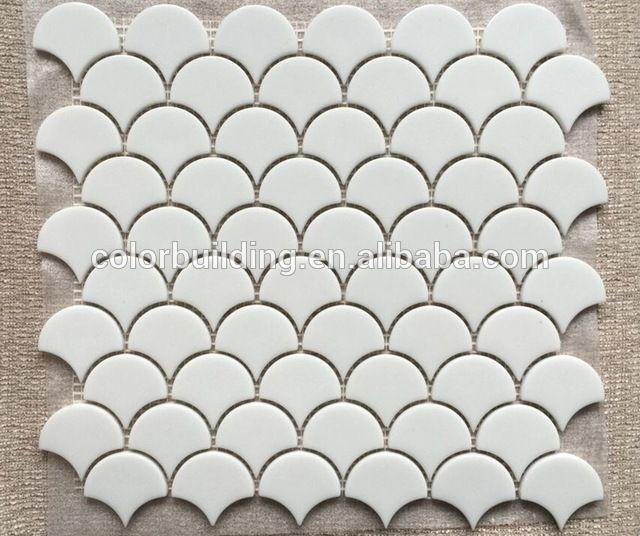 Verre tuiles écailles de poisson conception dosseret mosaïque fan forme recycler le verre blanc mosaïque carrelage-en Mosaïque depuis Construction & Immobilier sur m.french.alibaba.com.