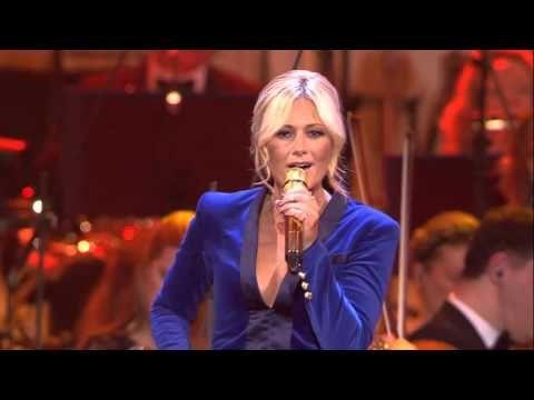 Helene Fischer | Feliz Navidad (Live aus der Hofburg Wien) - YouTube