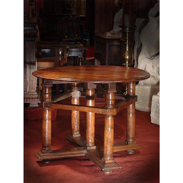 Pieceoftheday Table Italienne D Epoque Renaissance 16esiecle 16thcentury Visible Au 25 Rue De Lille Paris7 Paris Artgall Bar Table Home Decor Furniture
