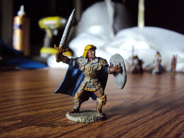 Human paladin figure that I painted for a specific character.  His name is Mantarok Kandrick.