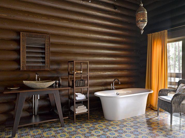 Ванная в современном деревянном доме