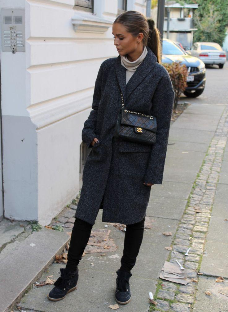 Maria Kragmann spotted i objtracy coat   www.lavishlavish.com
