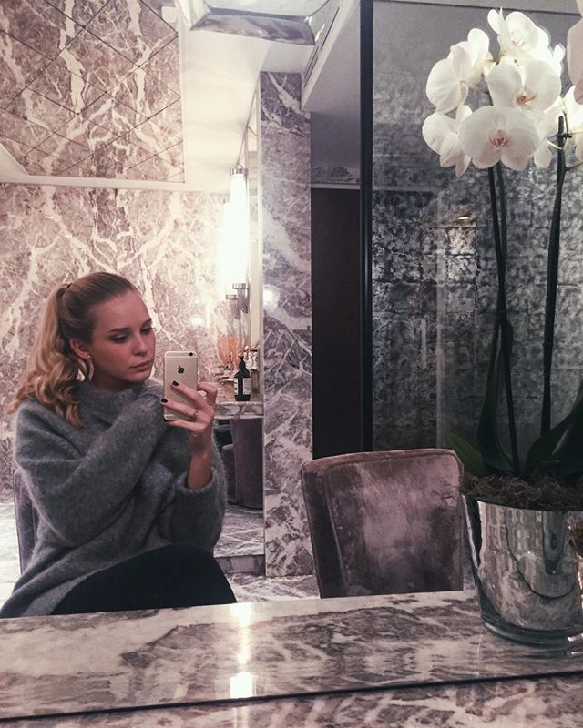 Marble & Cashmere  Bathroom goals! The Arts Club, London