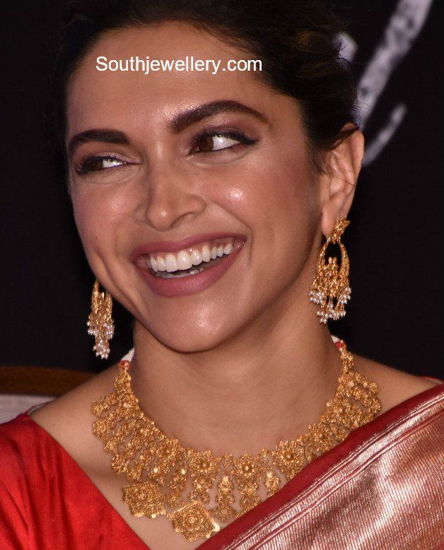 Deepika Padukone In Gold Jewellery Gold Jewelry Indian Tanishq Jewellery Gold Jewelry Outfits