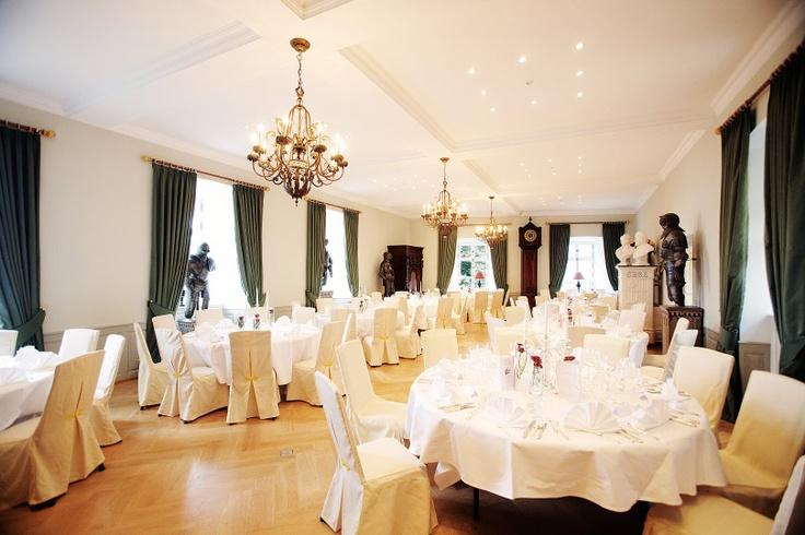 Wedding location Hochzeitslocation Hochzeit Schloss Eberstein Schwarzwald Gernsbach Rittersaal