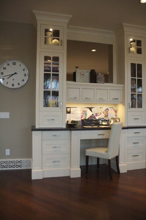Built-in desk with plenty of storage options.: Desks Area, Kitchens Desks, Idea, Home Interiors, Offices Spaces, Computers Desks, Kitchens Offices, Built In Desks, Home Offices