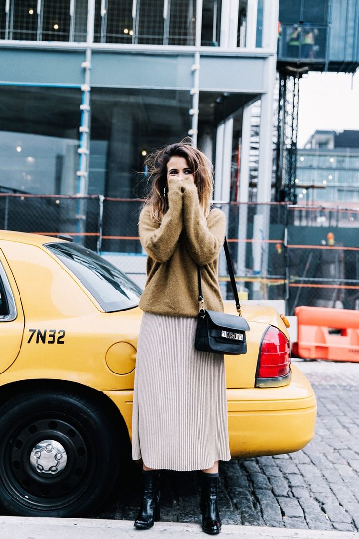 Pleated_Midi_Skirt-Khaki_sweater-Black_Booties-Proenza_Schouler_Bag-NY-New_York_City-Meatpacking-Outfit-Street_Style-Collage_Vintage-30