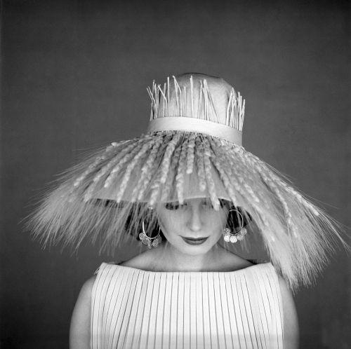 Photo by Jerry Schatzberg, 1950s.