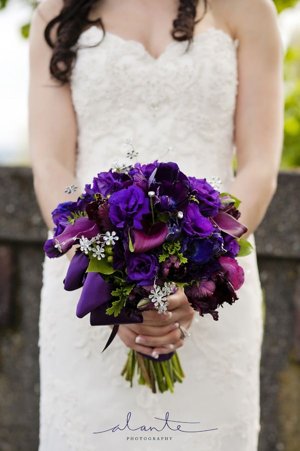fall purple wedding flowers | brides bouquet with purple and eggplant flowers