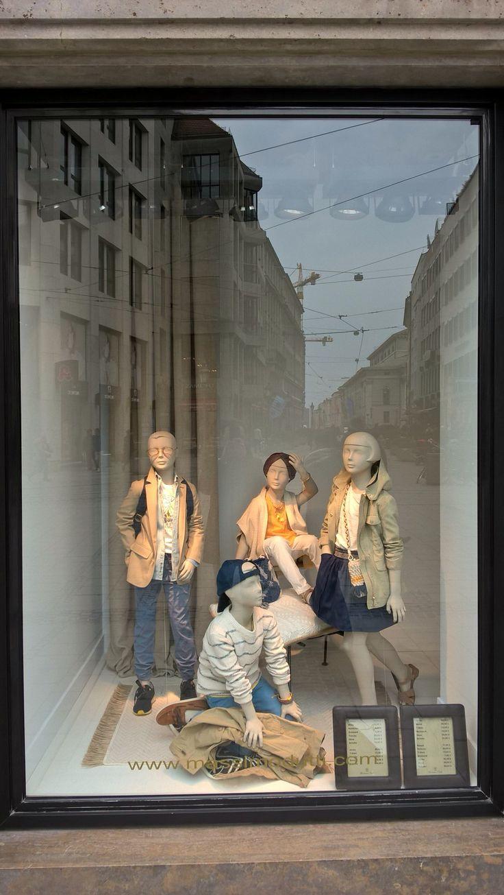 #window design #vm #visual merchandising #münchen #Deutschland #Munich #germany #escaparate #windowdisplay #massimodutti ######work #mannequin #retail #design #fashion #style #beauty #манекен #дизайн #ритейл #витрина #мюнхен #германия #мерчандайзинг #магазин #мода #стиль #красота