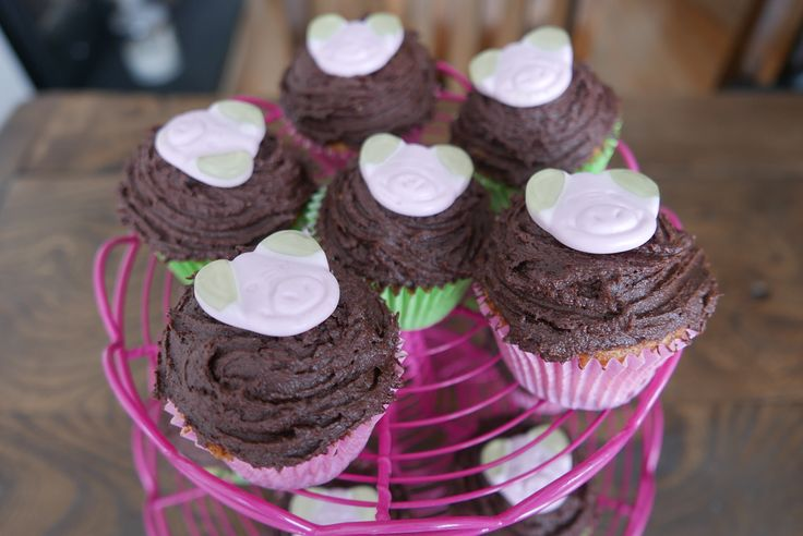 Papa Purley's Percy Pig Cupcakes