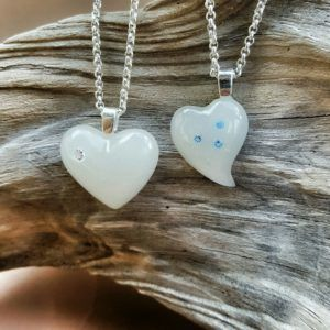 Herzen mit oder ohne Swarovskisteinen, mit Muttermilch