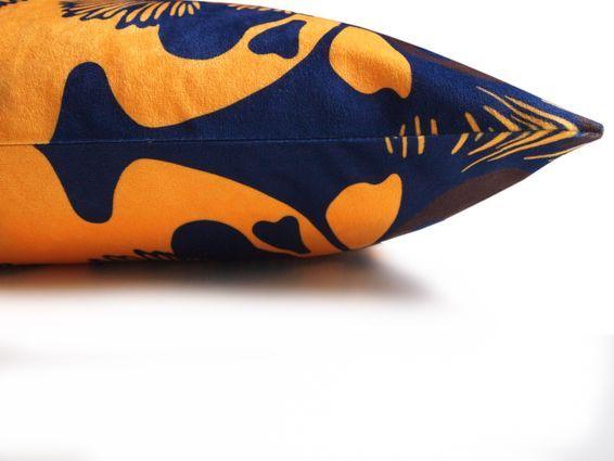 Kudde GINKO brun/blå/gul - sammet - Ulrika Lavér