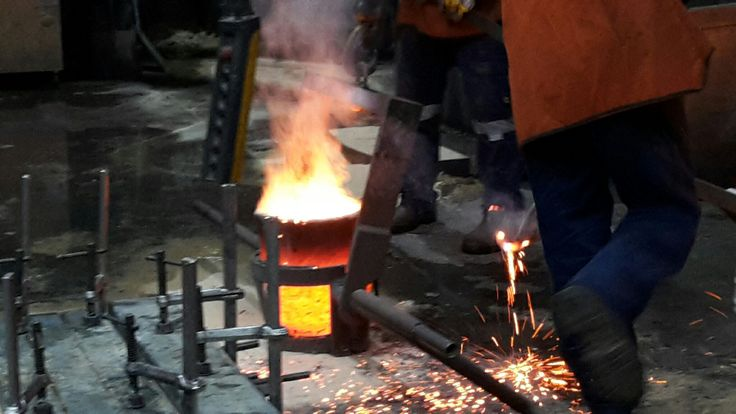 Foundry pour at cunneen signs