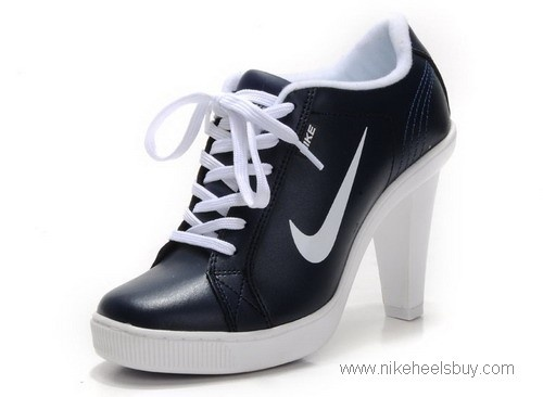 In a fun and strange way, I love theseNike High Heels, Nike Dunks, Black White, Shoes S2, Heels Sneakers, Nike Heels, Nike Free, Heels Low, Heels Yeah
