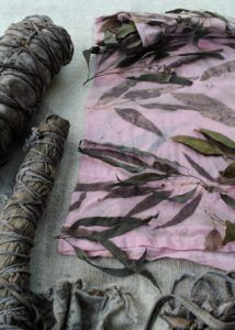 How to Eco-Print on Cotton – step by step instructions for natural dyeing with plant dyes