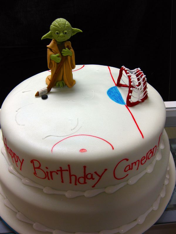 Yoda playing hockey- THIS IS THE BEST CAKE EVER!!