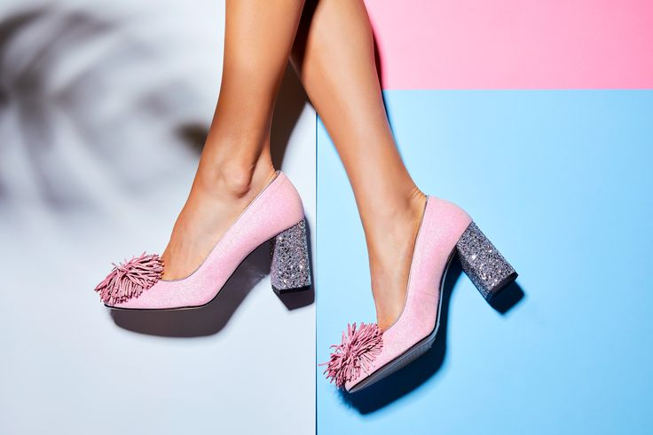 Sparkle, glitter and pompom - the components for the perfect party heels. Minna Parikka Cindy pink glitter